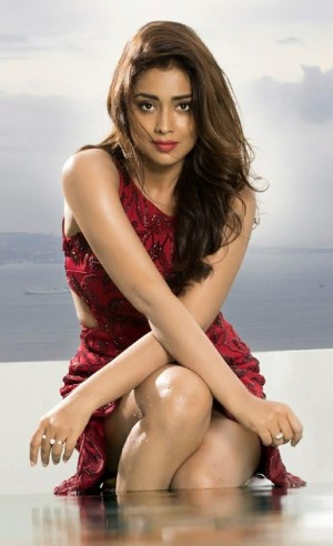 Shriya Saran (aka) Actress Shriya